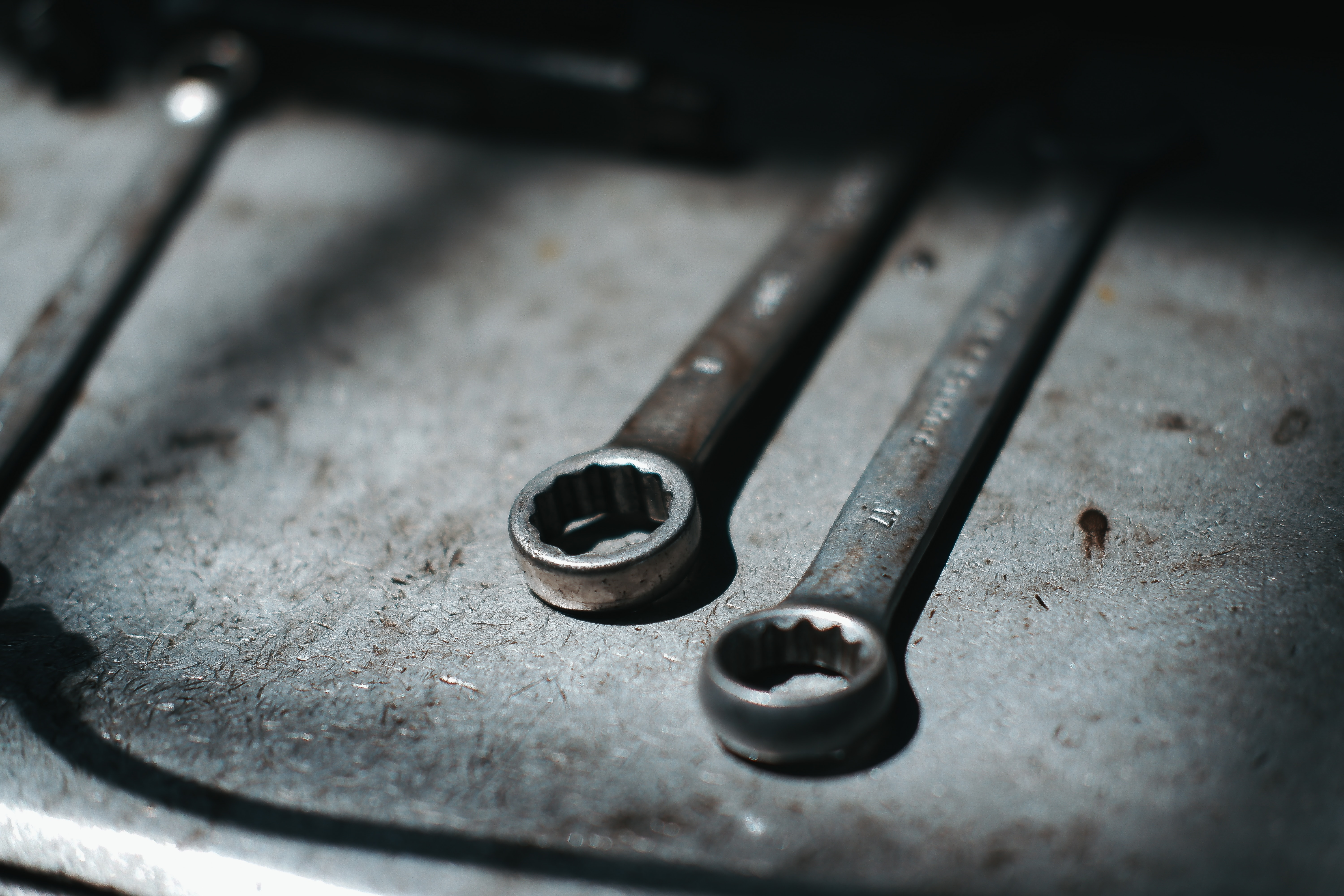 wrenches-duy-hoang-eySpTcC9eqE-unsplash