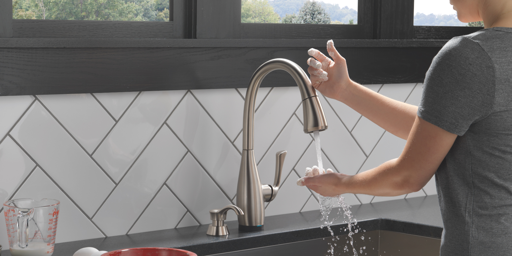 Making Hygienic Faucet And Sink Choices For Residential Comfort